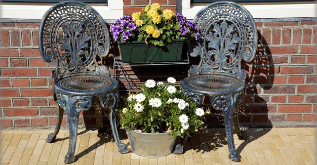 outdoor chair - 3 Design Tips for Building Exterior Renovations